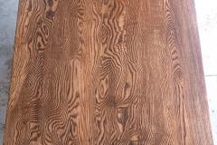 テーブル全景の木目
