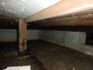 T様邸 施工前床下の写真